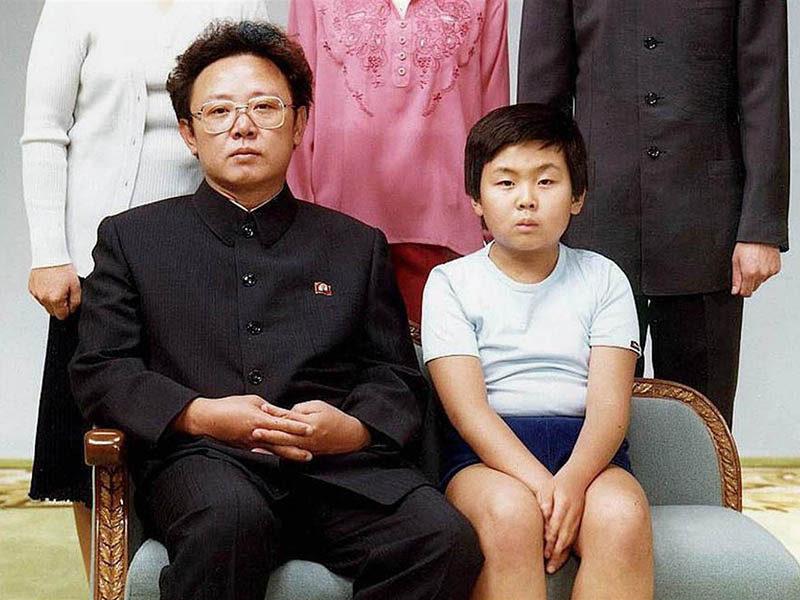 Ким Чен Ир (1)