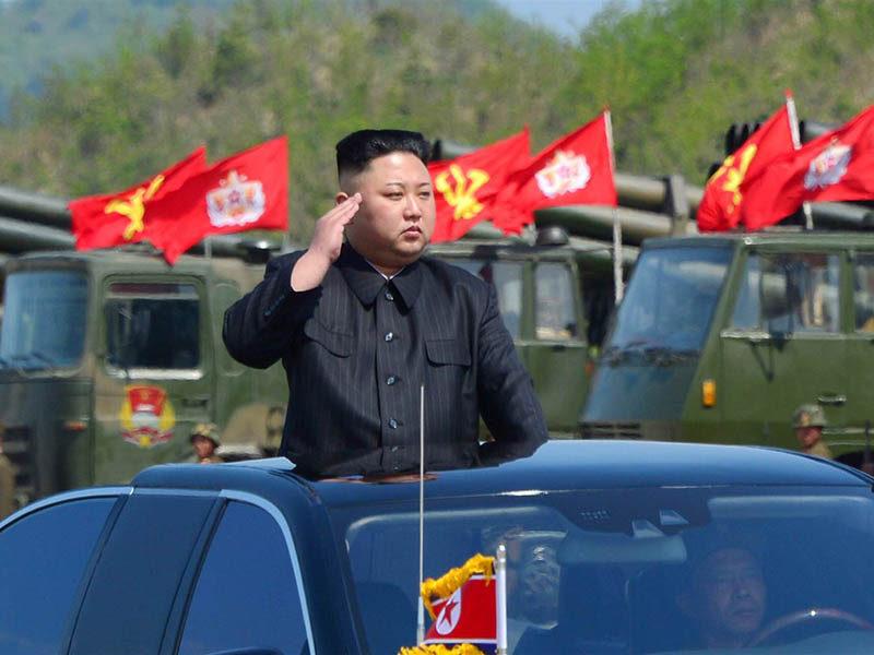 Ким Чен Ын (2)