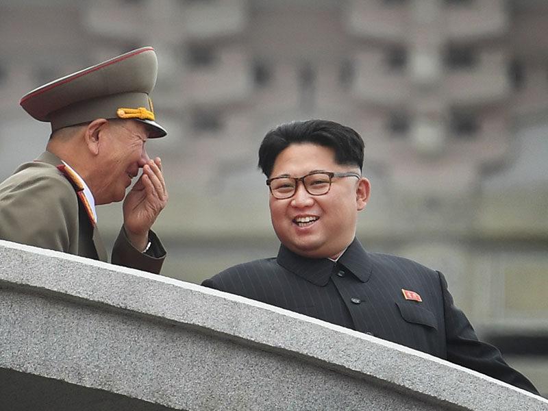 Ким Чен Ын (4)